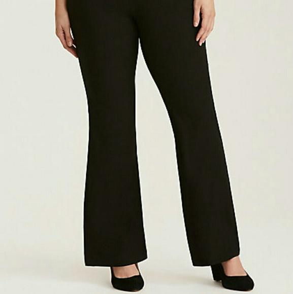 NWOT Torrid Crepe Slim Flare Pants Plus Size 30